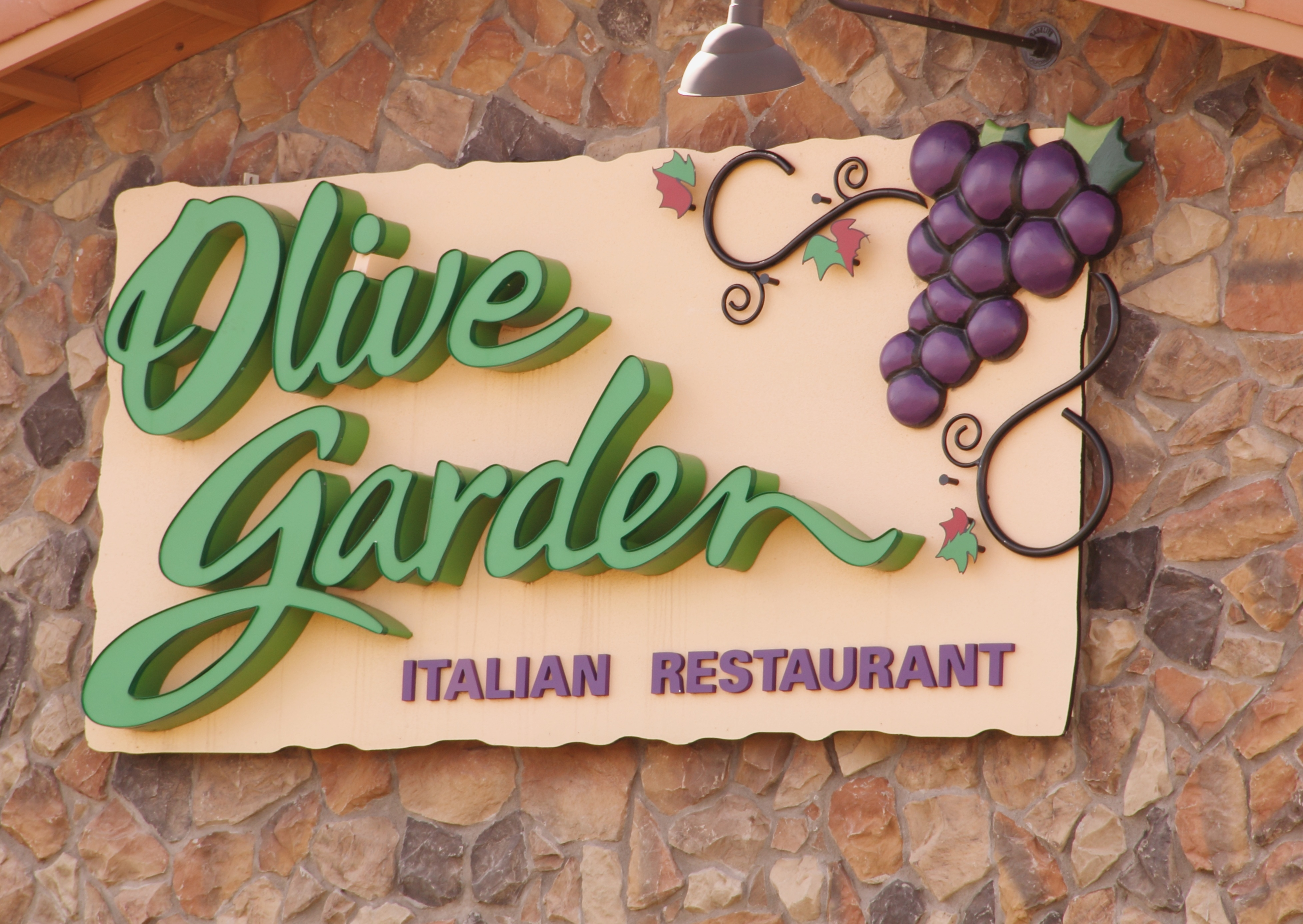 Olive Garden S Free Entree Offer Returns With New Options